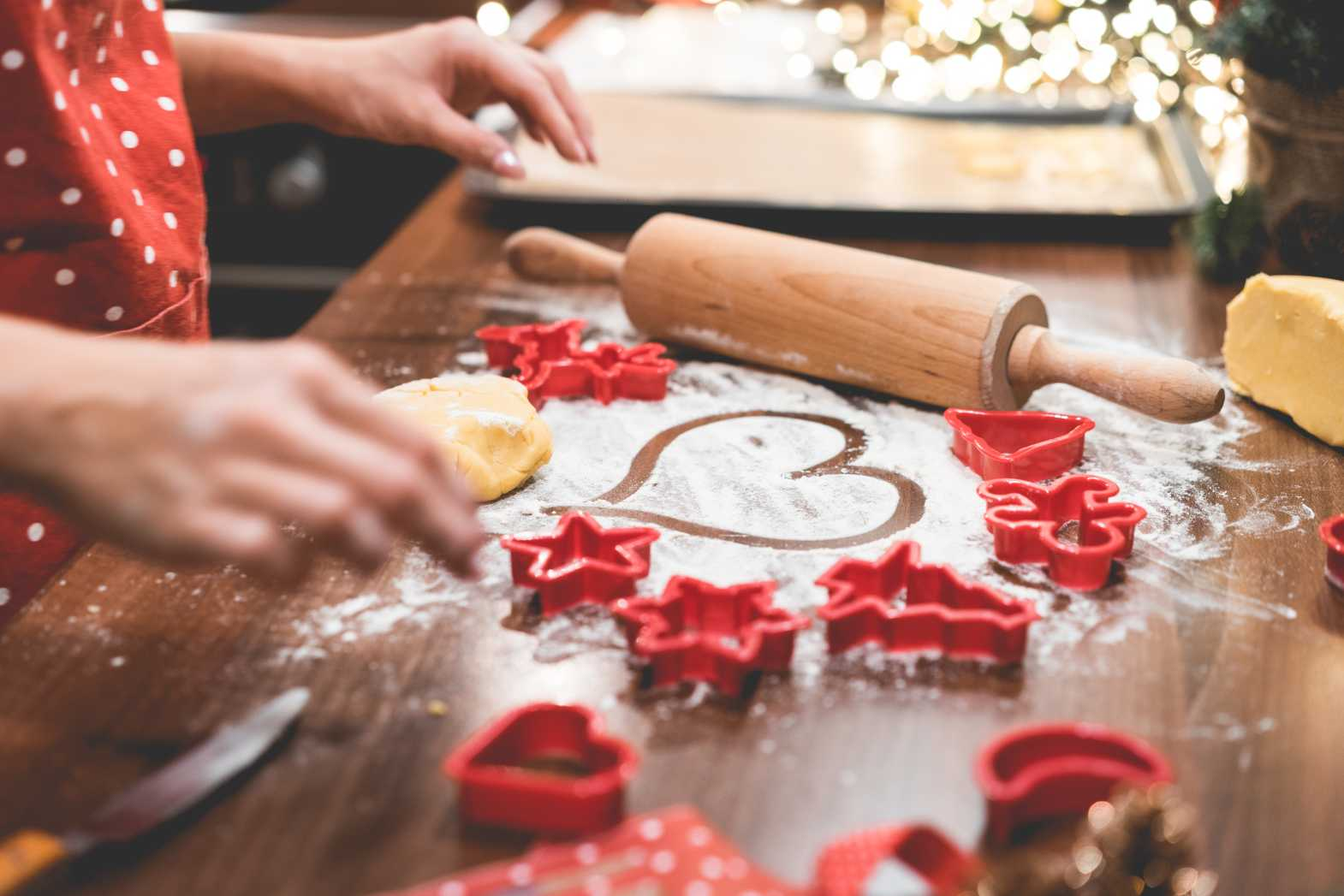 christmas baking pour free stock photo