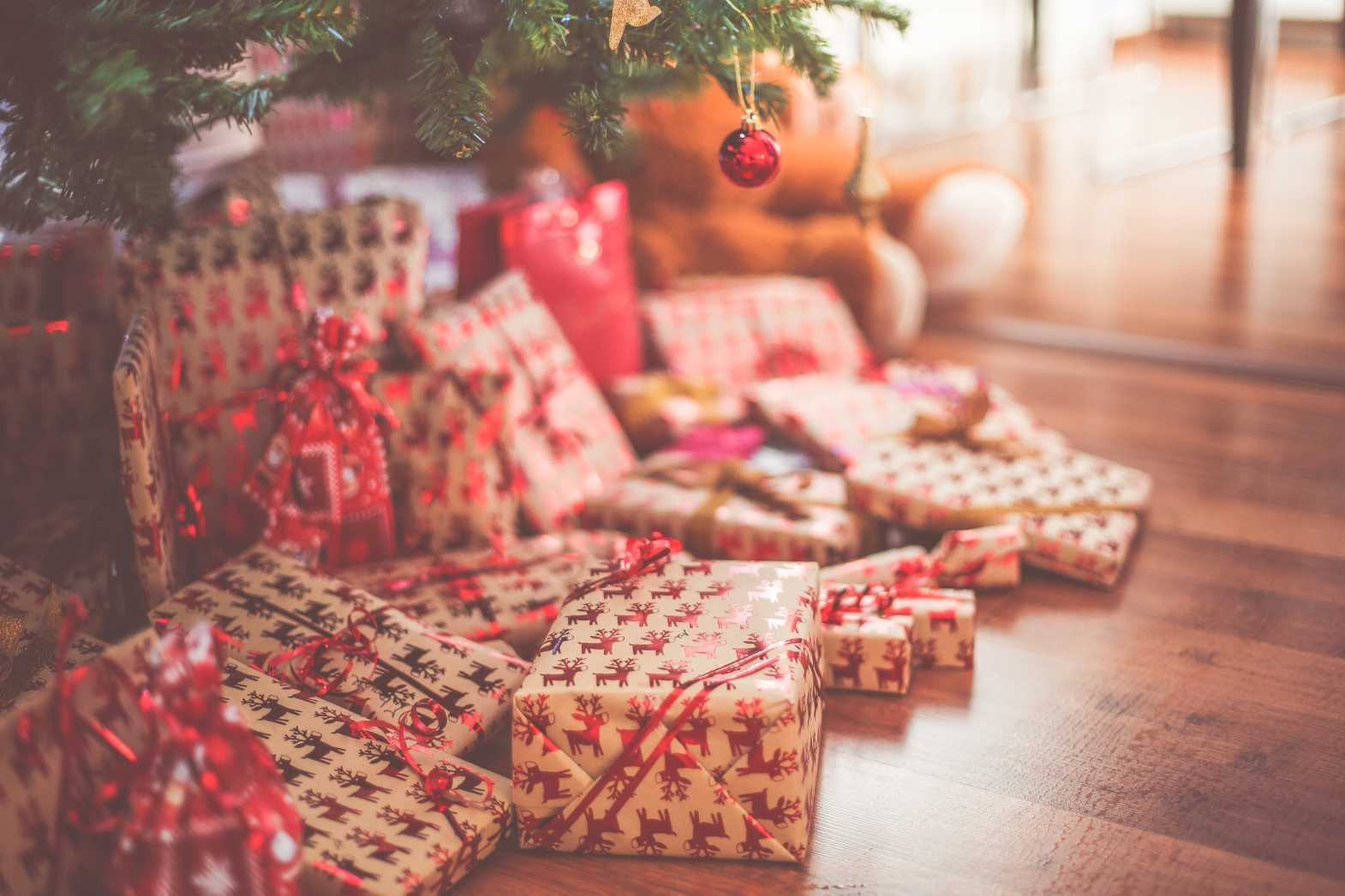christmas presents free stock image by picjumbo