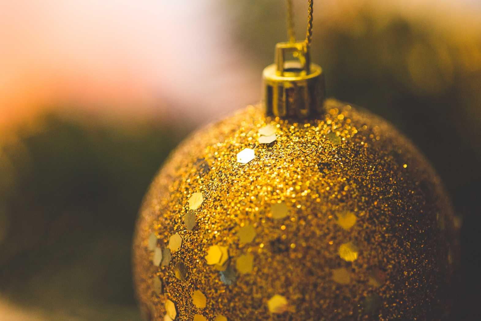 picjumbo christmas ball glitter